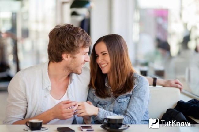 Milyen gyakran kell beszélnie valakivel, akivel randevúzol